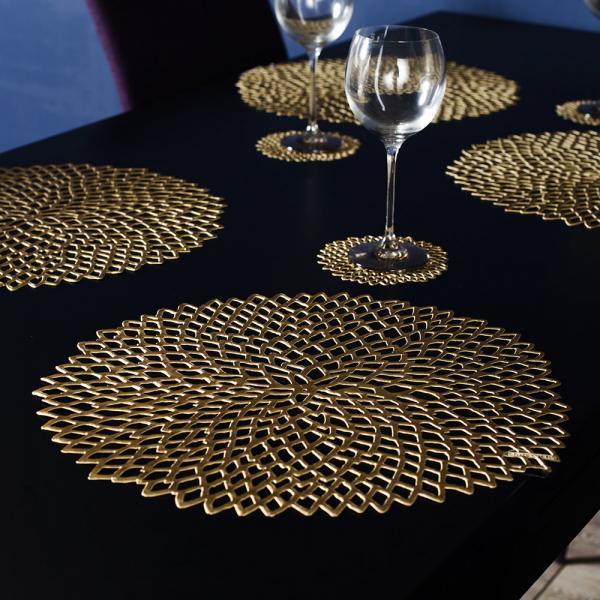 ダイニングテーブル上を彩り、素敵なディナーに Chilewich Dahlia シリーズ ランチョンマット