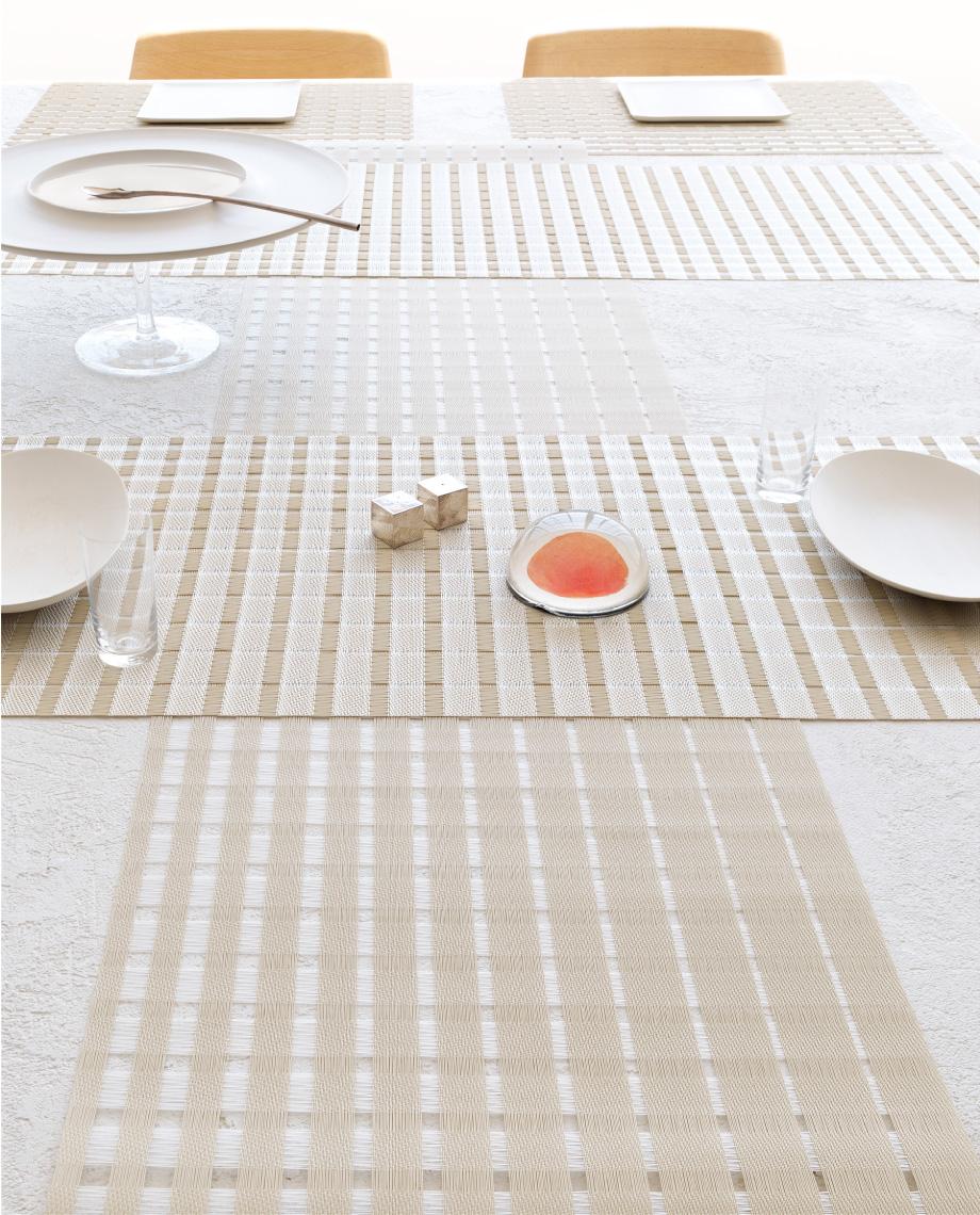 チルウィッチ サテン テーブルランナー